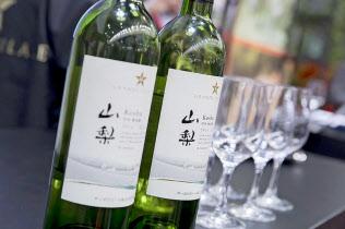 サッポロは日本ワイン事業拡大を目指す(展開する「グランポレール」ブランドのワイン)