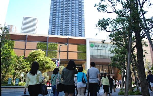 大型商業施設はマンション住民らでにぎわう(川崎市中原区)