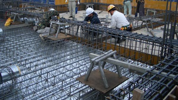 建設現場で週休2日制促す 清水建設、賃金を加算