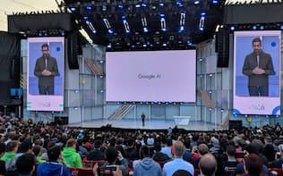 8日、AIの有用性を訴えるグーグルのピチャイCEO(カリフォルニア州マウンテンビュー市)