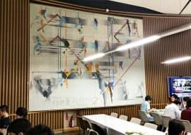 東京大学生協の中央食堂に展示されていた故宇佐美圭司さんの作品「きずな」(大学関係者提供)=共同