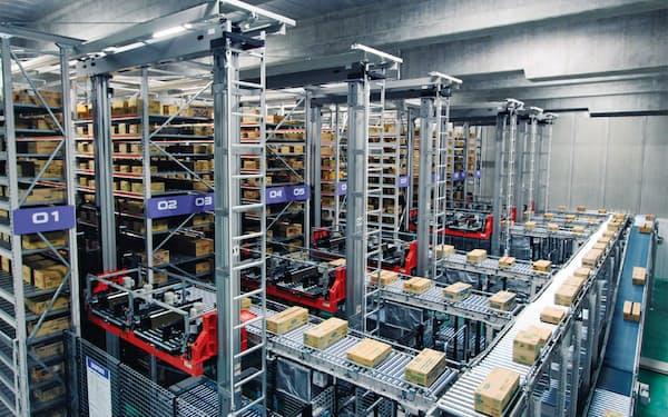 物流倉庫の自動化投資の需要は旺盛だ(ダイフクの装置を導入している神奈川県内の物流センター)