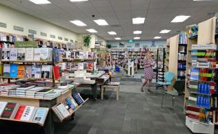 独立系ブックス・インクのマウンテンビュー店舗内。店舗ごとに書籍の品ぞろえは異なる