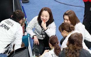 平昌五輪では、カーリング女子日本代表が試合の合間に軽食を食べる「もぐもぐタイム」が話題を集めたが…