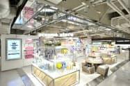 アイスタイルの店舗「アットコスメストア」の店内(東京都新宿区)