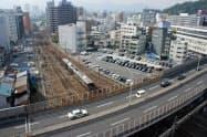 新幹線と在来線に挟まれた駐車場の位置にJR西日本の広島支社を建設する(広島市)