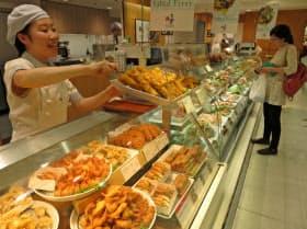 サラダや総菜の需要が伸びる(ロック・フィールドの都内の店舗)