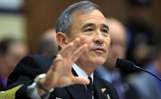 米トランプ政権が新たな駐韓大使に指名したハリス米太平洋軍司令官(2017年4月、議会で証言する同氏)=AP