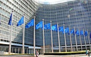 GDPRの施行は世界中の企業の経営に影響を及ぼす(ブリュッセルにある欧州委員会本部)=共同