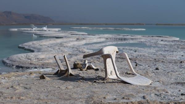 干上がる死海 注ぐ知恵と技術(IN FOCUS)