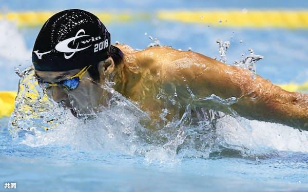 男子200メートルバタフライ決勝 1分54秒72で優勝した矢島優也(26日、東京辰巳国際水泳場)=共同