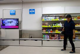 AI内蔵カメラが不審な行動を取る来店者を自動検知する
