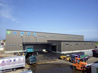 新倉庫はトラック営業所の敷地内に設ける(新潟県上越市)