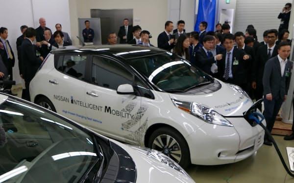 チャデモ協議会が昨年3月に開いた次世代急速充電器のイベントには中国やインドからも技術者らが参加した