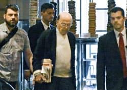 北京市内のホテルに到着したロス米商務長官(2日)=共同