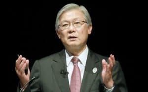 講演するNECの新野隆社長(4日午後、東京・大手町)