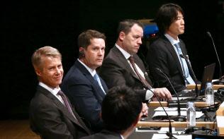 討論する(左から)グランリド、ハリントン、キャシー、玉川の各氏(4日午後、東京・大手町)