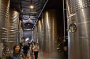 新たに公開されるワイン醸造設備(6日、山梨県甲州市のシャトー・メルシャン勝沼ワイナリー)