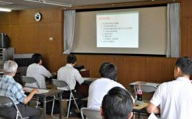 民泊の説明会には多くの参加者が集まった(5月29日、愛知県江南市)
