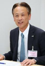 ロック・フィールドの次期社長に決まり記者会見する古塚孝志副社長(8日、大阪取引所)