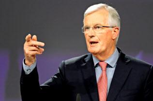 EUのバルニエ首席交渉官(8日、ブリュッセルのEU本部)=ロイター