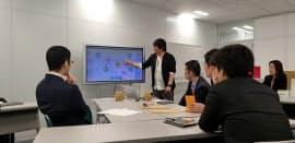 ドコモの法人オフィス内にあるトップガン部隊専用スペース(東京・港)