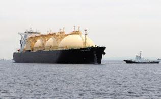 東京ガスの根岸基地(横浜市)に米国産LNGを運んできた関西電力の輸送船「LNG SAKURA」