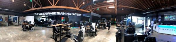 今年3月に完成したeスポーツチーム「チームリキッド」の訓練施設。米デルテクノロジーがゲーム用PCなどを提供した。