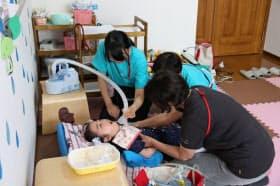 医療的ケアが必要な就学児を受け入れる放課後等デイサービス(東京都杉並区)