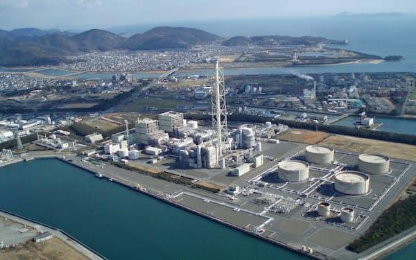 関西電力が石炭への燃料転換を断念した赤穂火力発電所(兵庫県赤穂市)