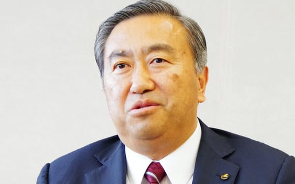 就任インタビューに答える福島銀行の加藤社長
