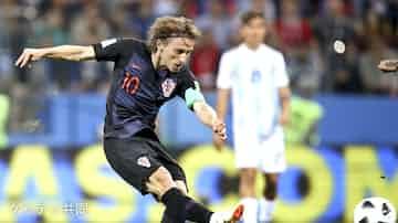 クロアチアが3得点で快勝 アルゼンチン、メッシ沈黙