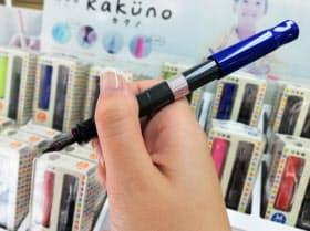 1本1000円など安価な製品で万年筆の人気が広がっている