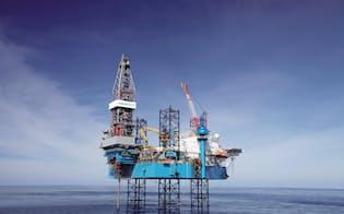 市況を見誤った海洋掘削装置(リグ)への過剰投資が経営破綻につながった(東南アジアで稼働している同社のリグ)