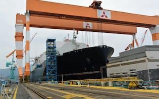 三菱重工の香焼工場で建造中のLNG運搬船(長崎市)