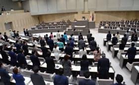 東京都の受動喫煙防止条例を採決する都議会本会議(27日)