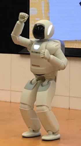 日本を代表する人型ロボットのアシモ
