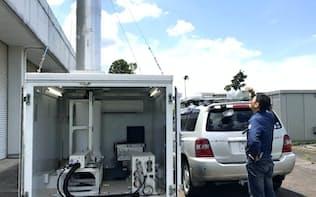 「線状降水帯」の予測につなげるため、気象研究所は上空の高さごとに水蒸気の分布や量を測る装置を開発した。自動車でけん引できる(茨城県つくば市)