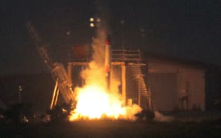 打ち上げに失敗したインターステラテクノロジズの観測ロケット「MOMO」2号機(30日午前、北海道大樹町)