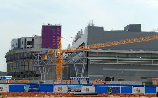 武漢市郊外では半導体工場の建設が急ピッチで進んでいる