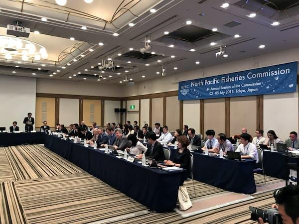 サンマの漁獲規制について議論する北太平洋漁業委員会の年次会合(東京・港)