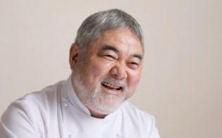 1954年北海道生まれ。1985年東京・四谷に「オテル・ドゥ・ミクニ」をオープン。2015年9月フランス共和国レジオン・ドヌール勲章シュバリエを受勲。子供の食育活動などにも取り組む。