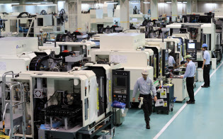 18年度の設備投資は大企業全産業で前年度比13.4%増の見込み。9月時点の比較では90年度以来、28年ぶりの高水準だ