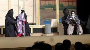 淡路人形座(兵庫県南あわじ市)は2016年、約80年ぶりに「播州皿屋舗」を復活上演した
