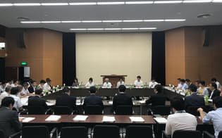 働き方改革法の成立を受け、制度の詳細を詰める議論が始まった(東京都港区)