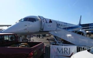 「MRJ」は16日、初の飛行展示を実施した(英ファンボロー)