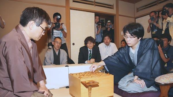 豊島が羽生を破り棋聖に 将棋8冠8人で分ける