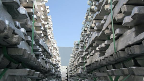 アルミ価格上昇の兆し 米中の実需堅調、原料も高く