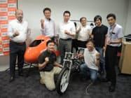 金属加工に強みを持つ中小29社が集結し、排気量50ccで世界最速のバイクを製作する(東京・千代田)