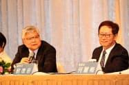 決算会見する魏哲家・総裁兼CEO(左)と劉徳音董事長(19日午後、台北市内)